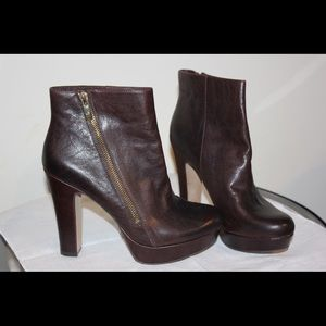 Brown Vince Camuto ankle boots size 9